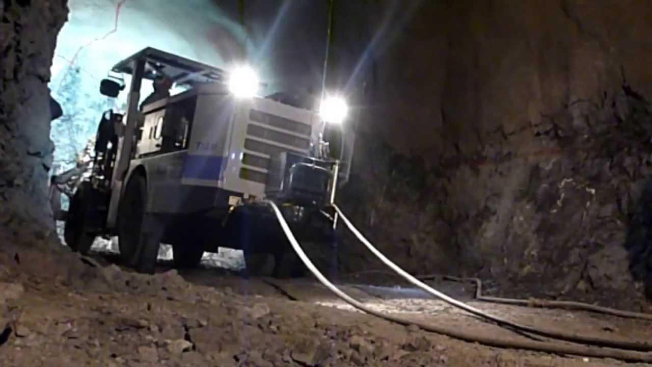 鉱山用ドリルジャンボT1AM|FRD